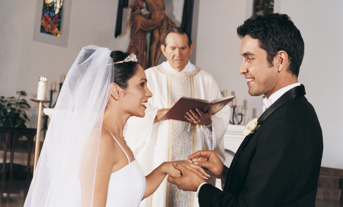what is a wedding officiant 670x405 - What Is Wedding
