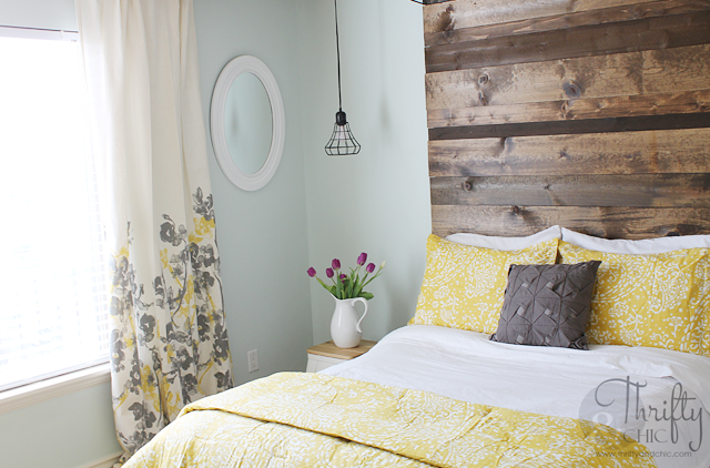 9 Essentials for a Cozy Guest Room