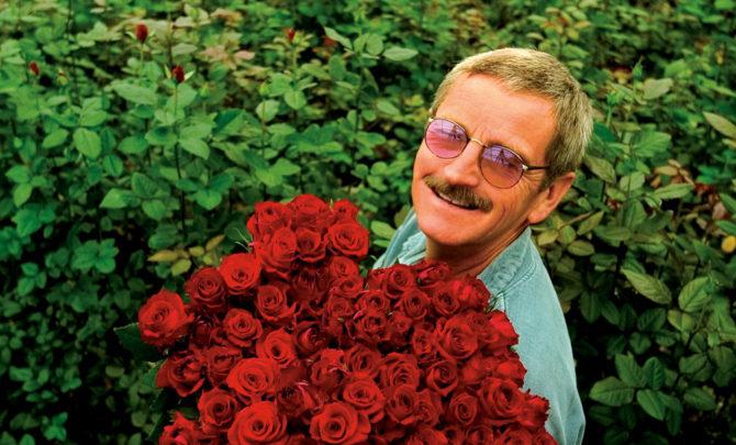 rose-grower-don-howell