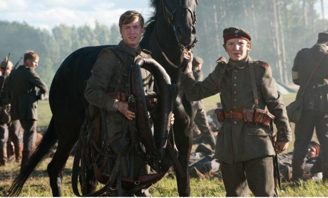 war-horse-david-kross-jeremy-irvine